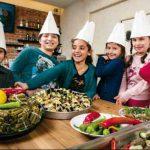 Charity-Kochbuch mit Lieblingsrezepten von Flüchtlingskindern
