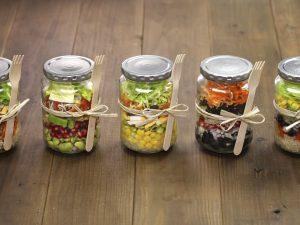 Salat im Mehrwegglas