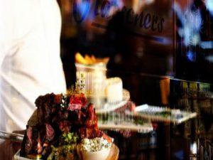 Flatschers Steakspezialitäten auf Lavasteingrill
