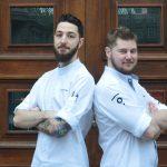 Michael Erfurt und Philipp Sieler im Interview: beste Freunde und ein eingespieltes Team in der Küche