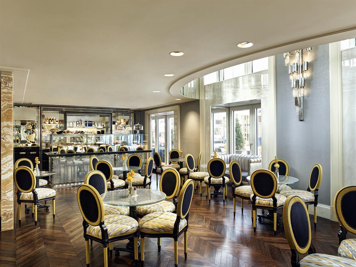 Neueröffnung Café Am Hof: Von der Pearl Bar zum Wiener Kaffeehaus ...